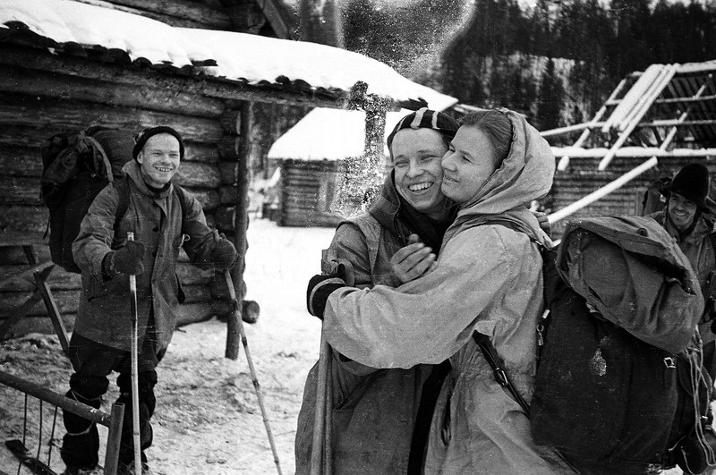 Yuri Yudin hugging Lyudmila Dubinina as he prepares to leave